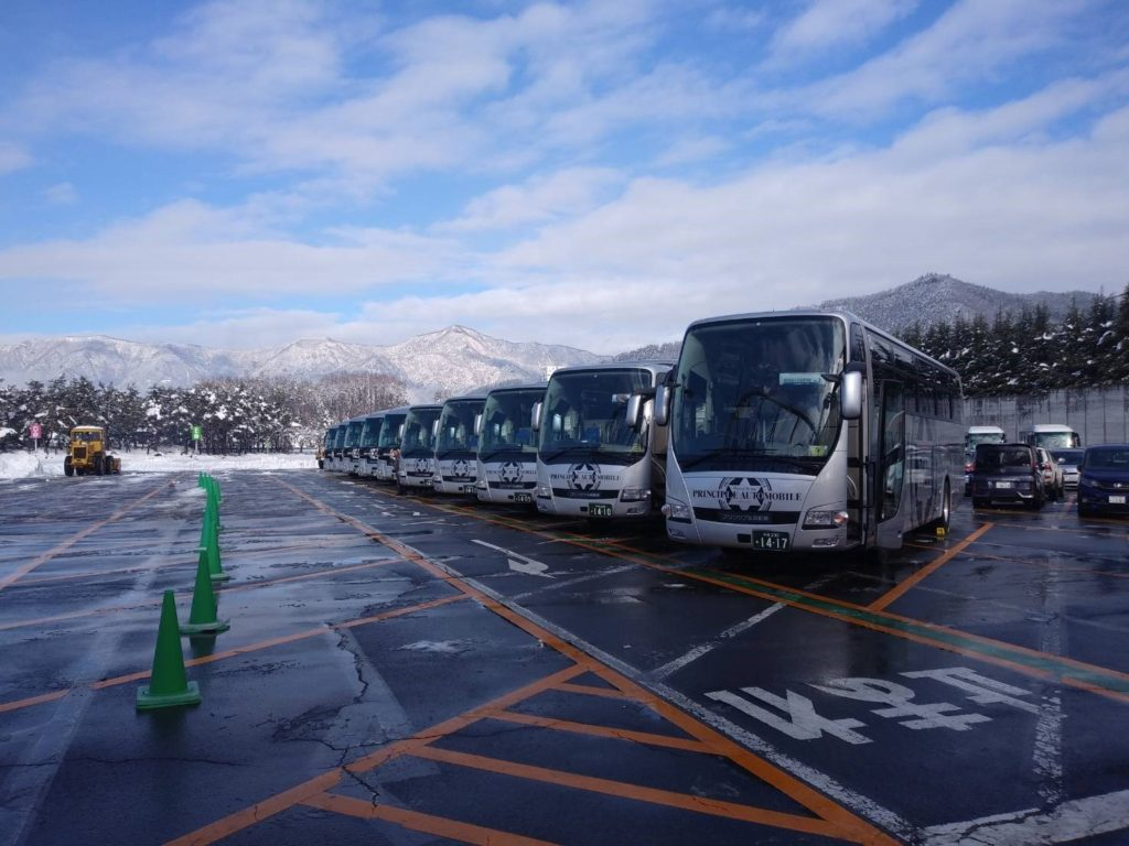 大型バスたくさん