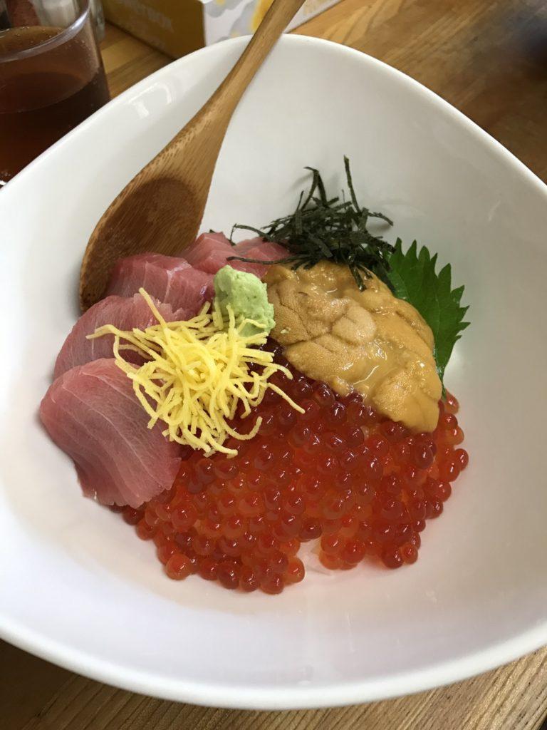 せきの 海鮮丼 写真