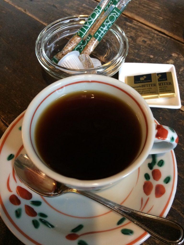 黒茶屋 写真